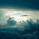 【必見】物が空から降ってくる夢の意味とは?夢占いで見る心理状態